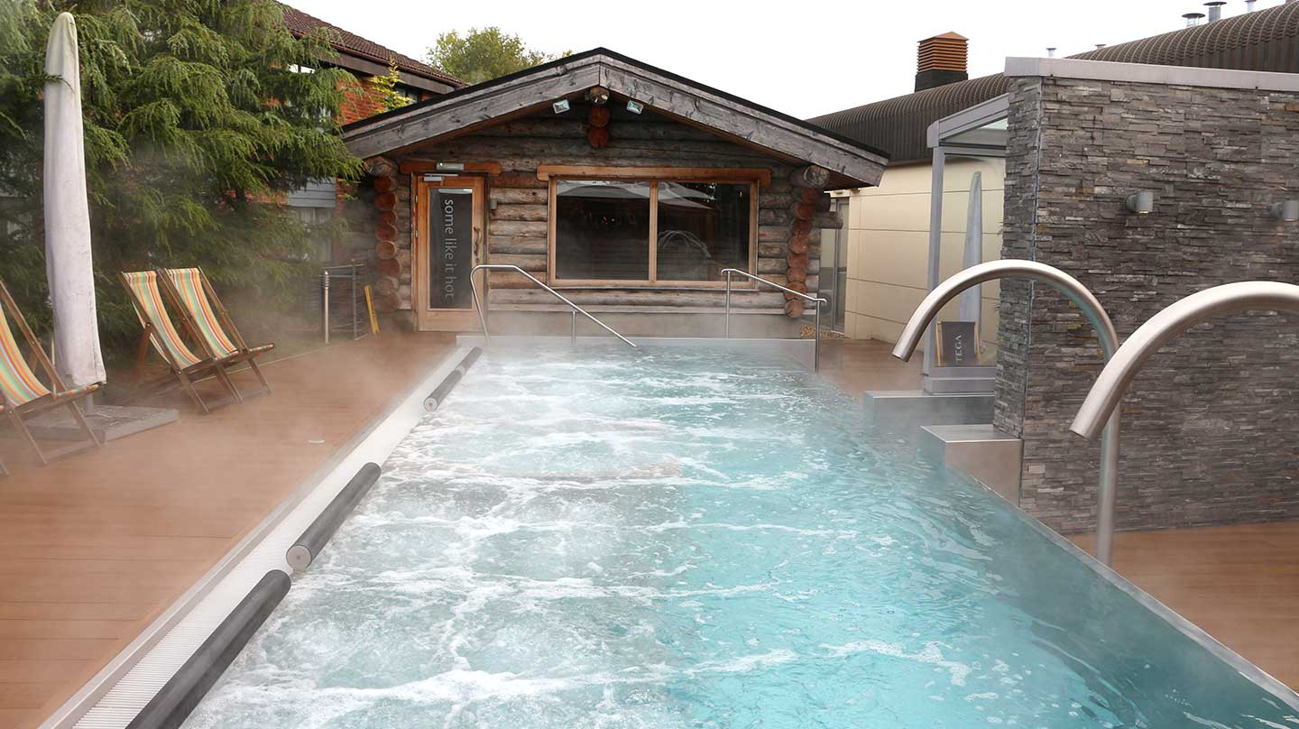 13-Outdoor-pool-and-sauna-GSG