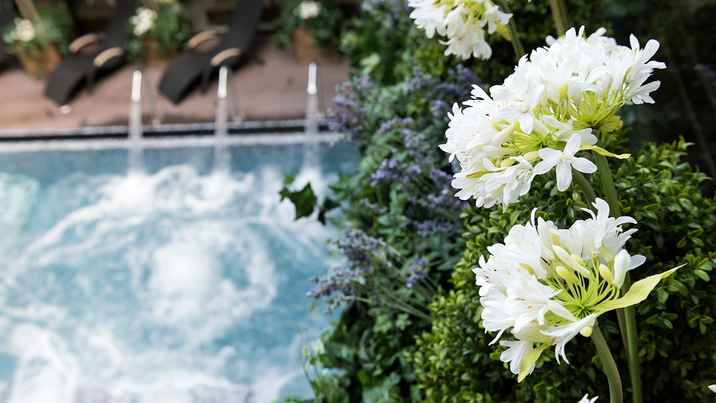 6-Aqua-Sana-Outdoor-Spa-Pool-August-2014-EF-13