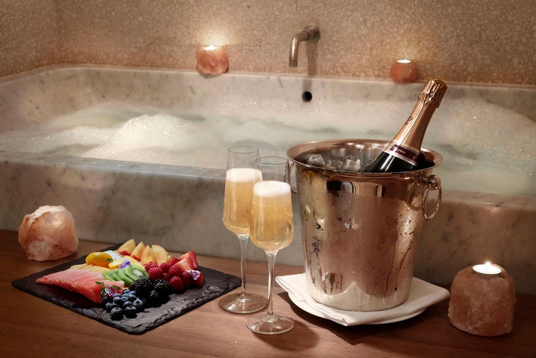 Akasha---Double-Treatment-Suite---Couples-Champagne-set-up