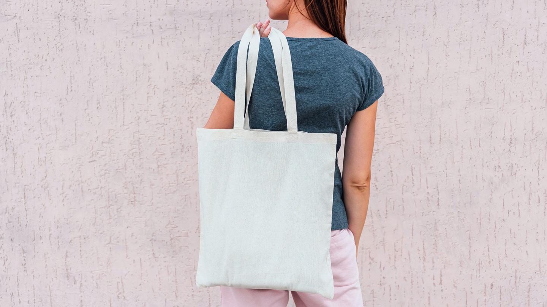 woman-with-zero-waste-spa-bag