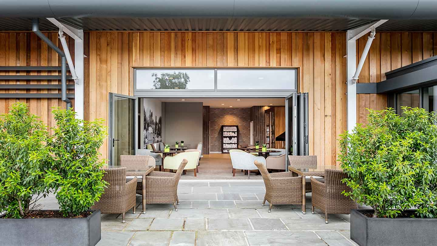 Coniston_Outside-seating