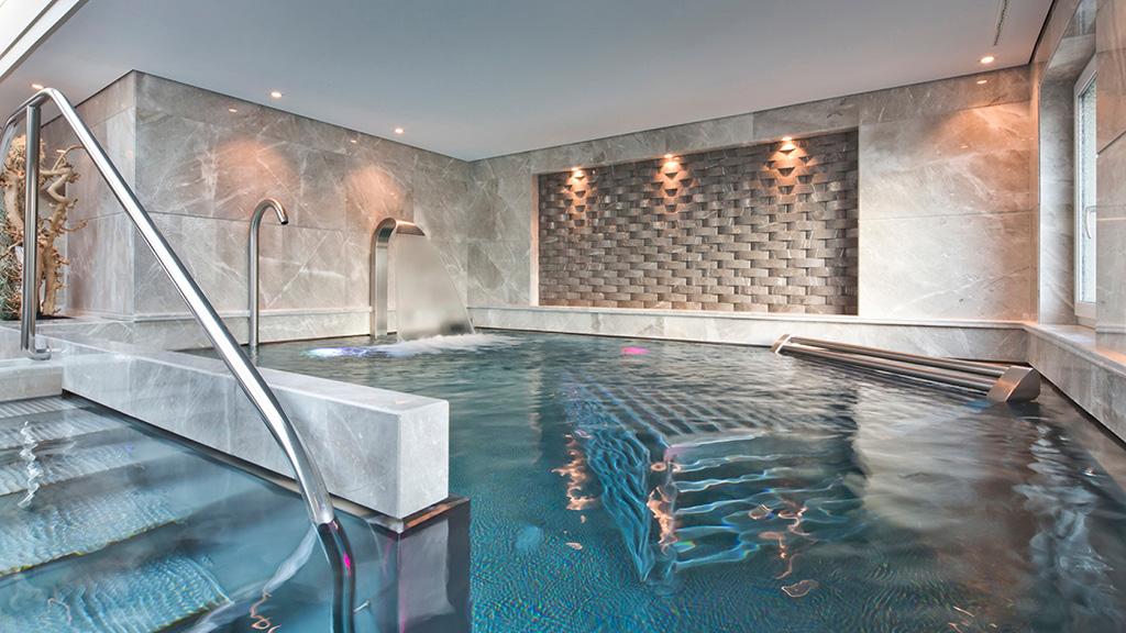 The pool at Four Seasons Geneva
