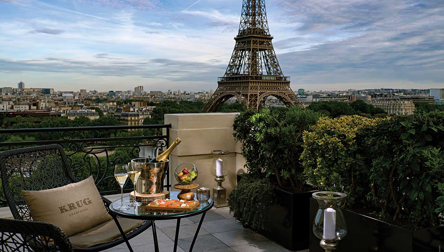 Shangri-la-Hotel-Paris-terrace