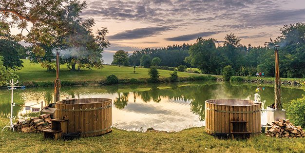 Spas at UK Festivals- Hot Tubs by the Lake
