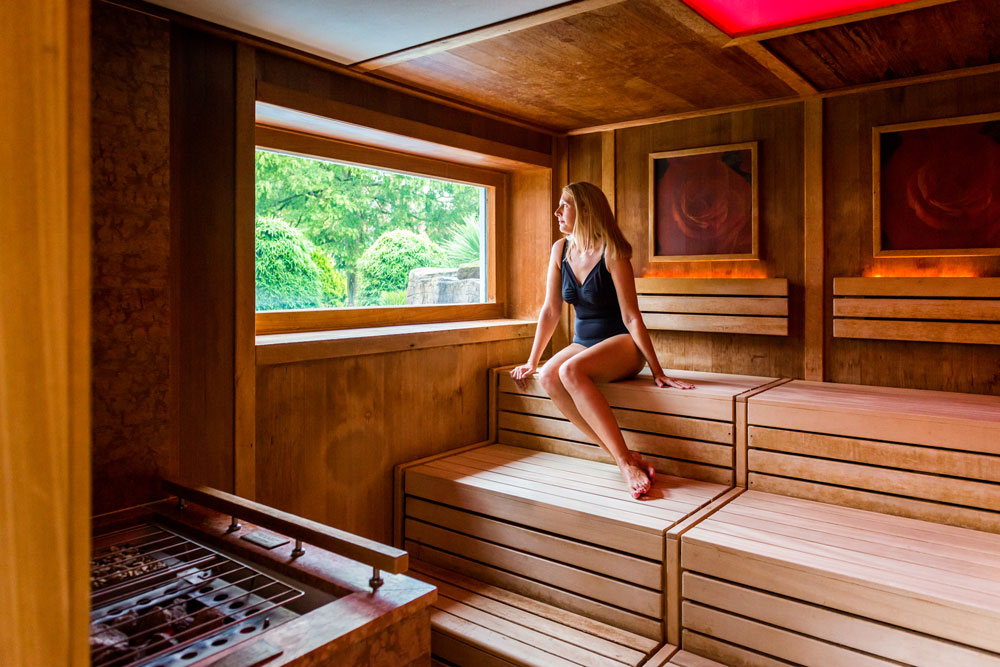 Guest-in-Thermal-Spa-Rose-Sauna-lo-res