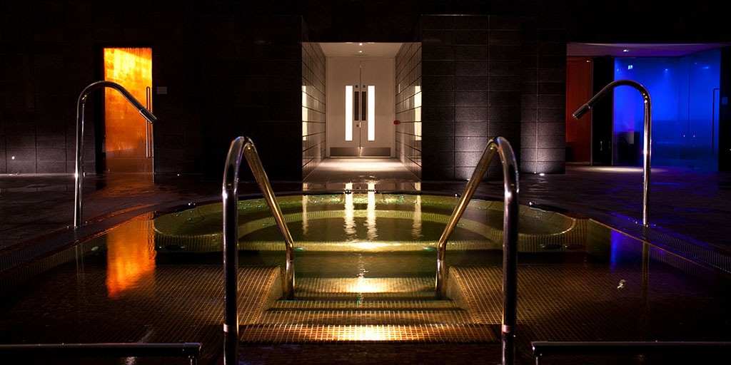 Lifehouse_Spa_at_Night