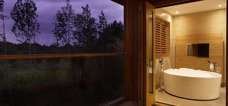 Spa_Suites_Bathroom_09_(2)