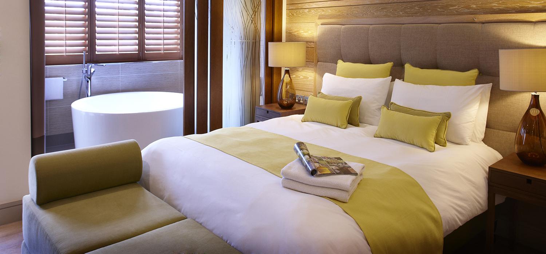 Spa_Suites_Double_Bedroom_01_(2)