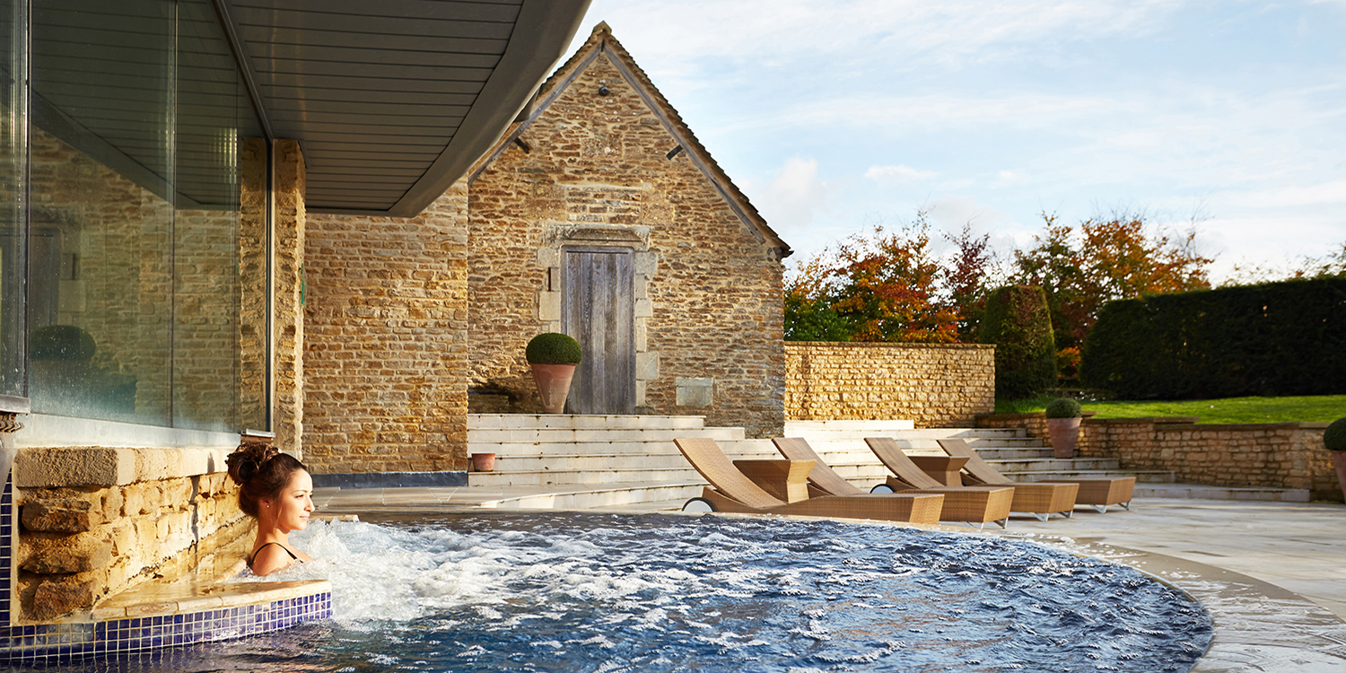 Aquarias-spa-Whatley-Manor-Hydrotherapy-Pool
