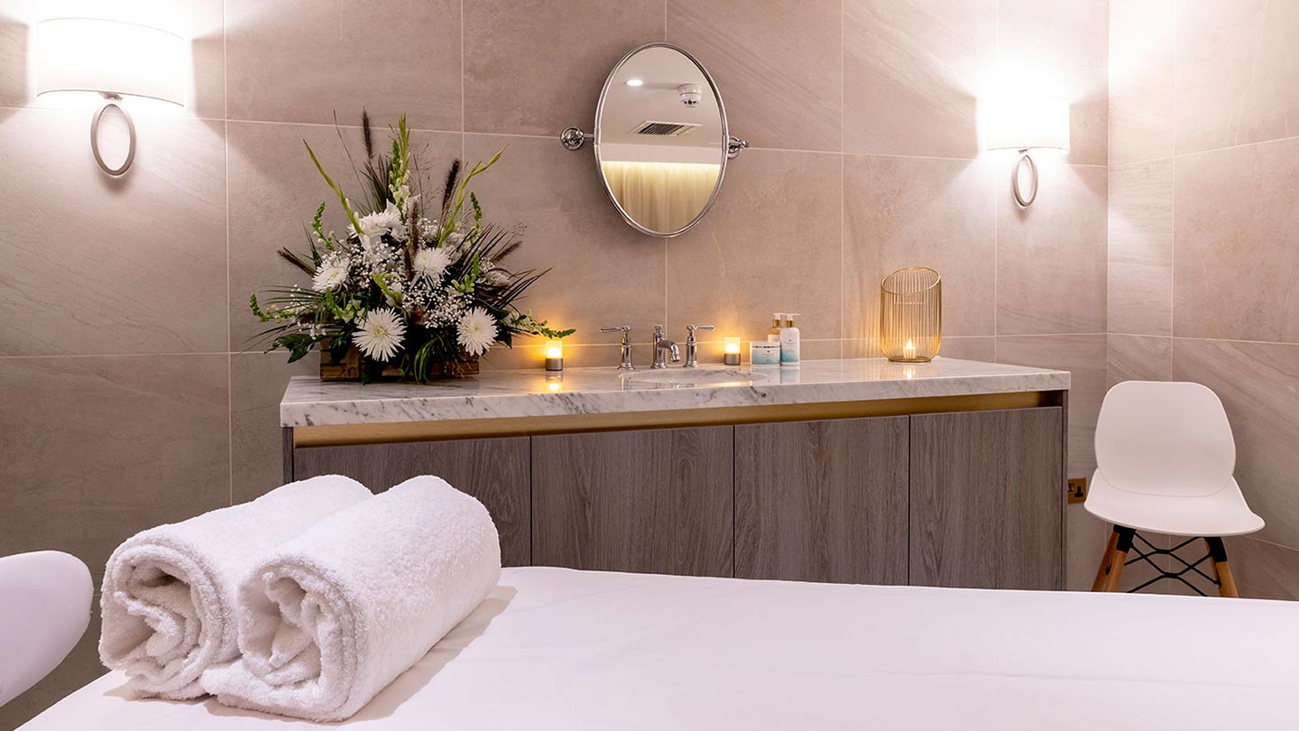 Champneys-Henlow-Treatment-room