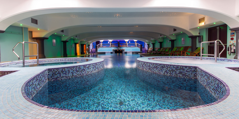 Hoar-cross-hall-pool