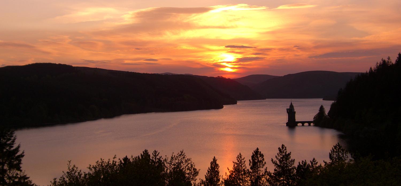 Sunset_at_Lake_Vyrnwy