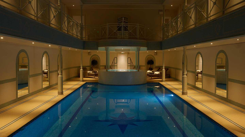 lygon-pool-at-night-3