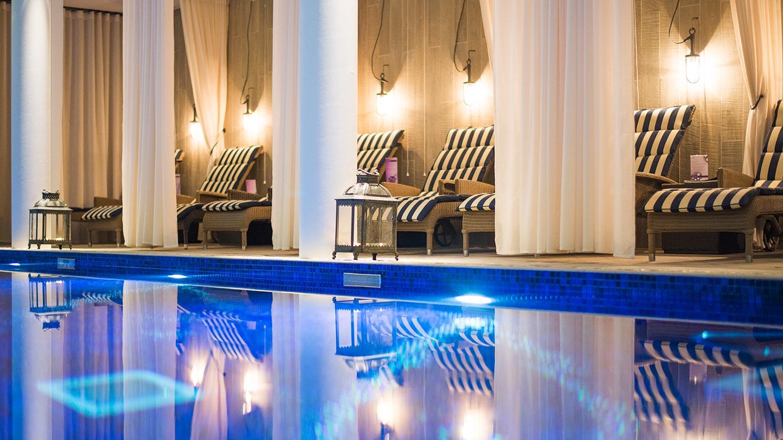Salcombe-Harbour-Hotel_-Poolside-Cabanas