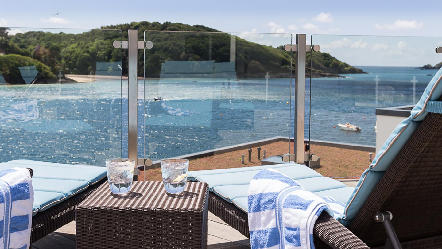 Salcombe-Harbour-Hotel_-Rooftop-sunloungers