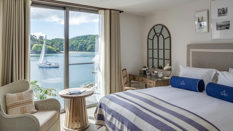 Salcombe-Harbour-Hotel_-bedroom