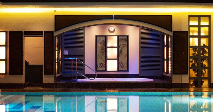 senspa-careys-manor-swimming-pool-2