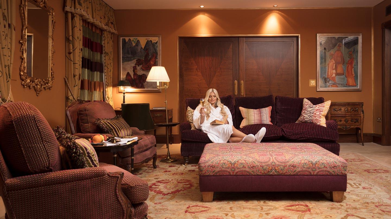 Stobo-castle-lounge