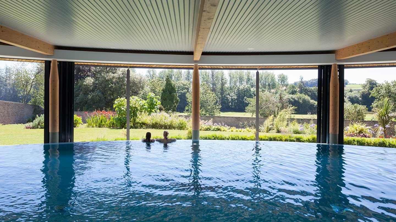 Couple-Spa-Pool