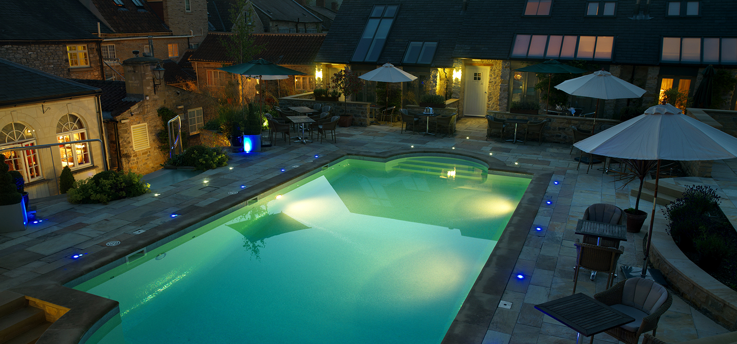 Feversham_Arms_Hotel_Pool