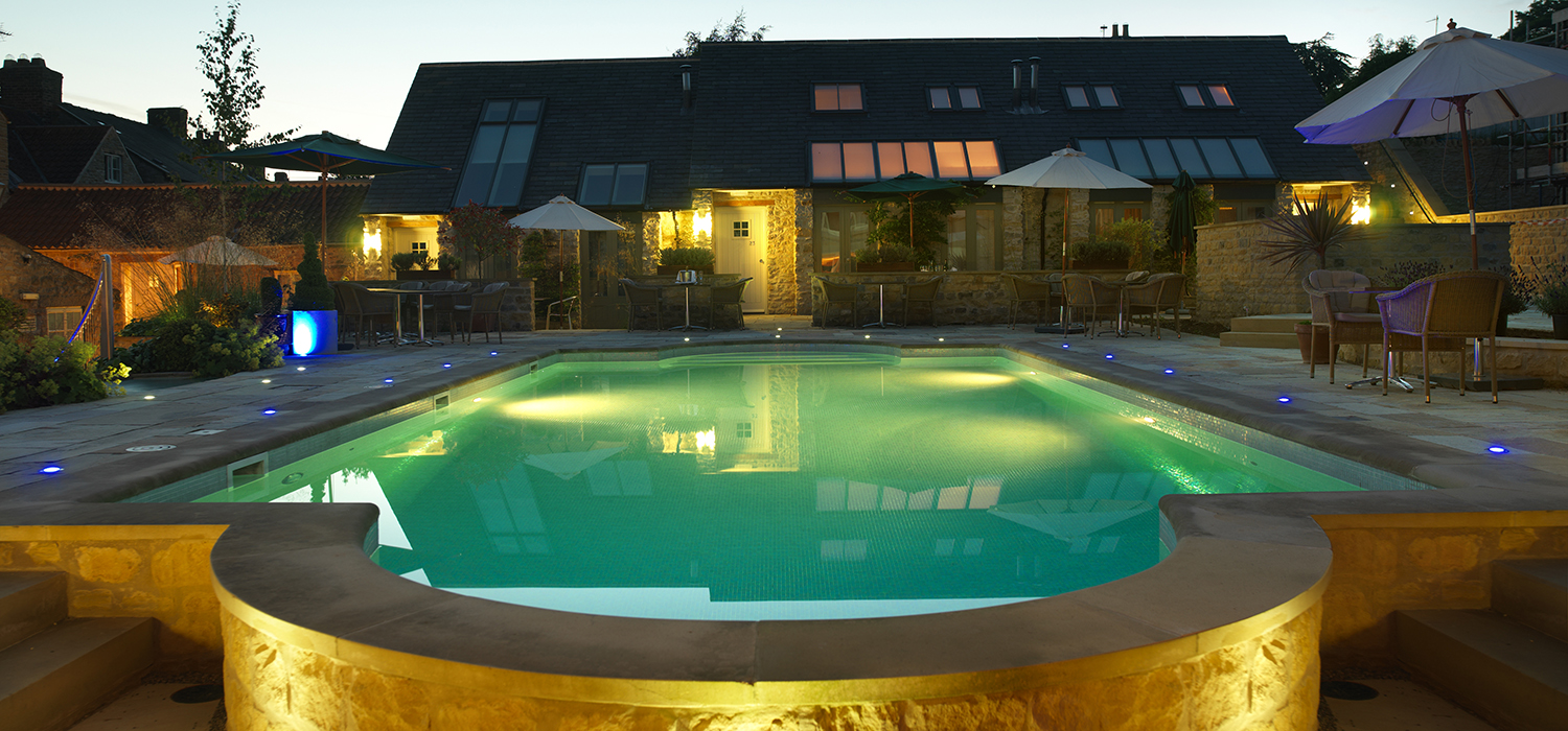 Pool_at_Night_Feversham_Arms