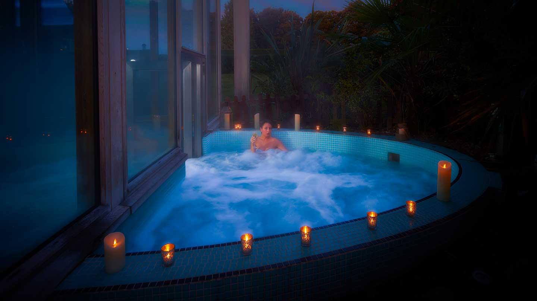 outside-hot-tub