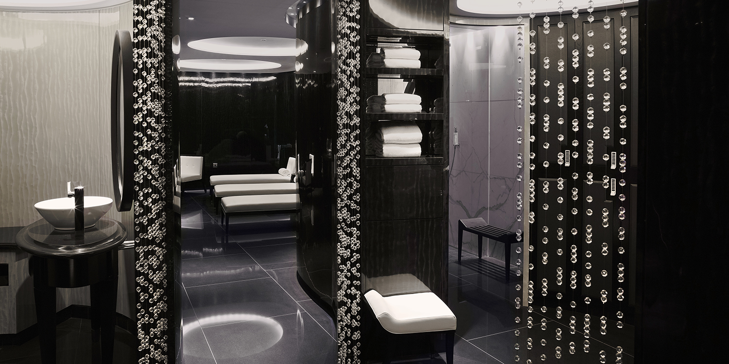 Male_Changing_ESPA_Life_at_Corinthia