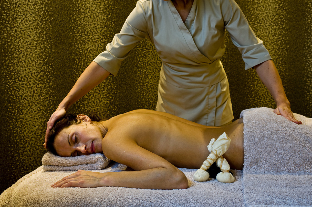 Massage_treatment