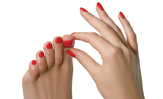 Model-Shot-FingersToes