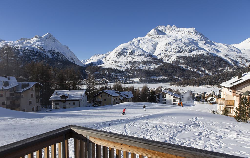 Nira Alpina ski