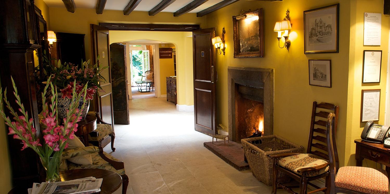 Ockenden_Manor_Hotel__Spa_-_Lobby
