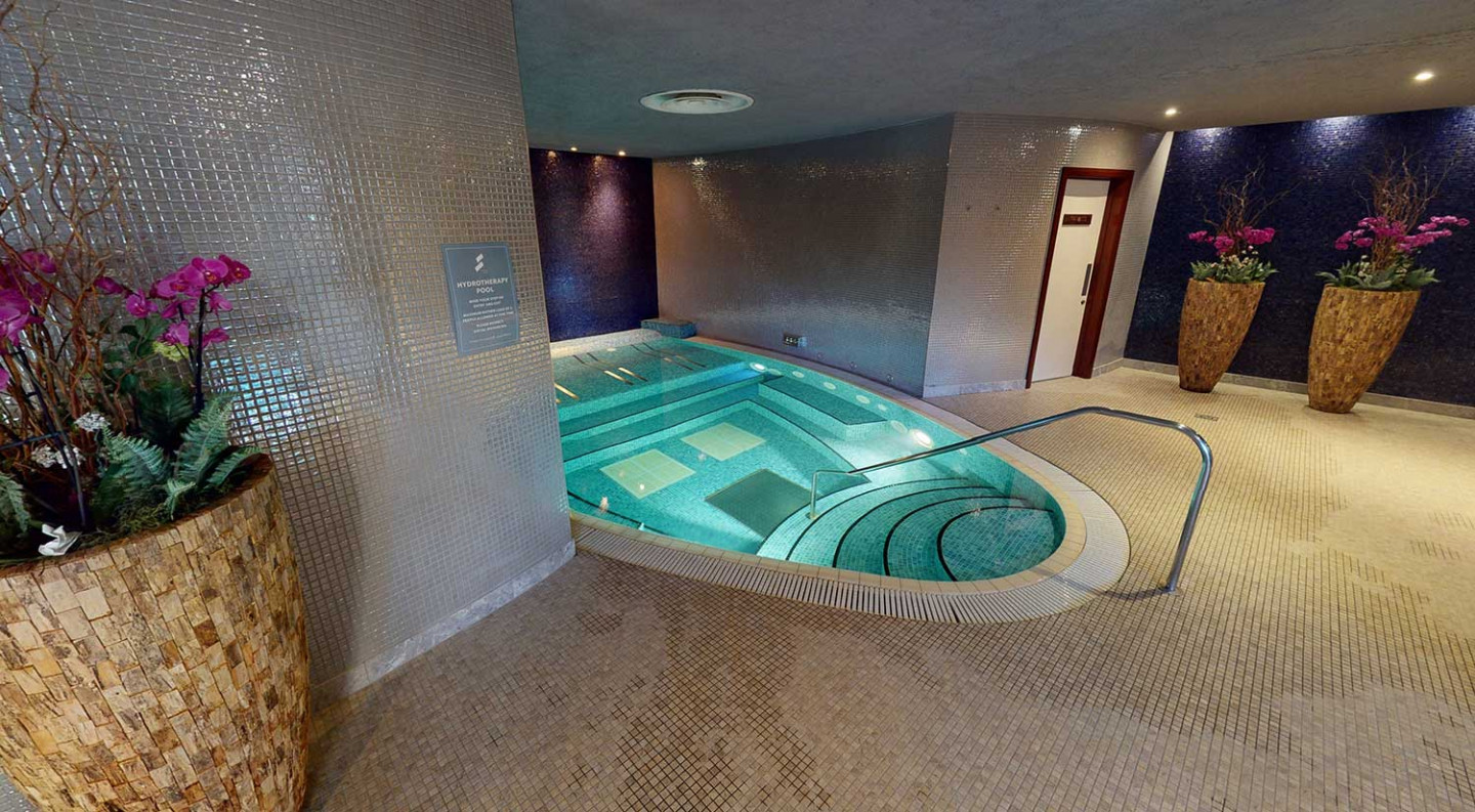 The-Halcyon-Luxury-Lodge-at-Seaham-Hall-County-Durham-Spa-Hydrotherapy-Pool-lo-res