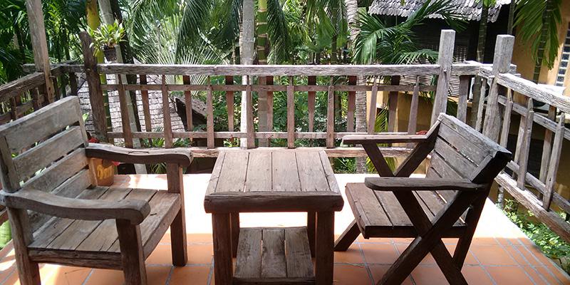 Jungle balcony room