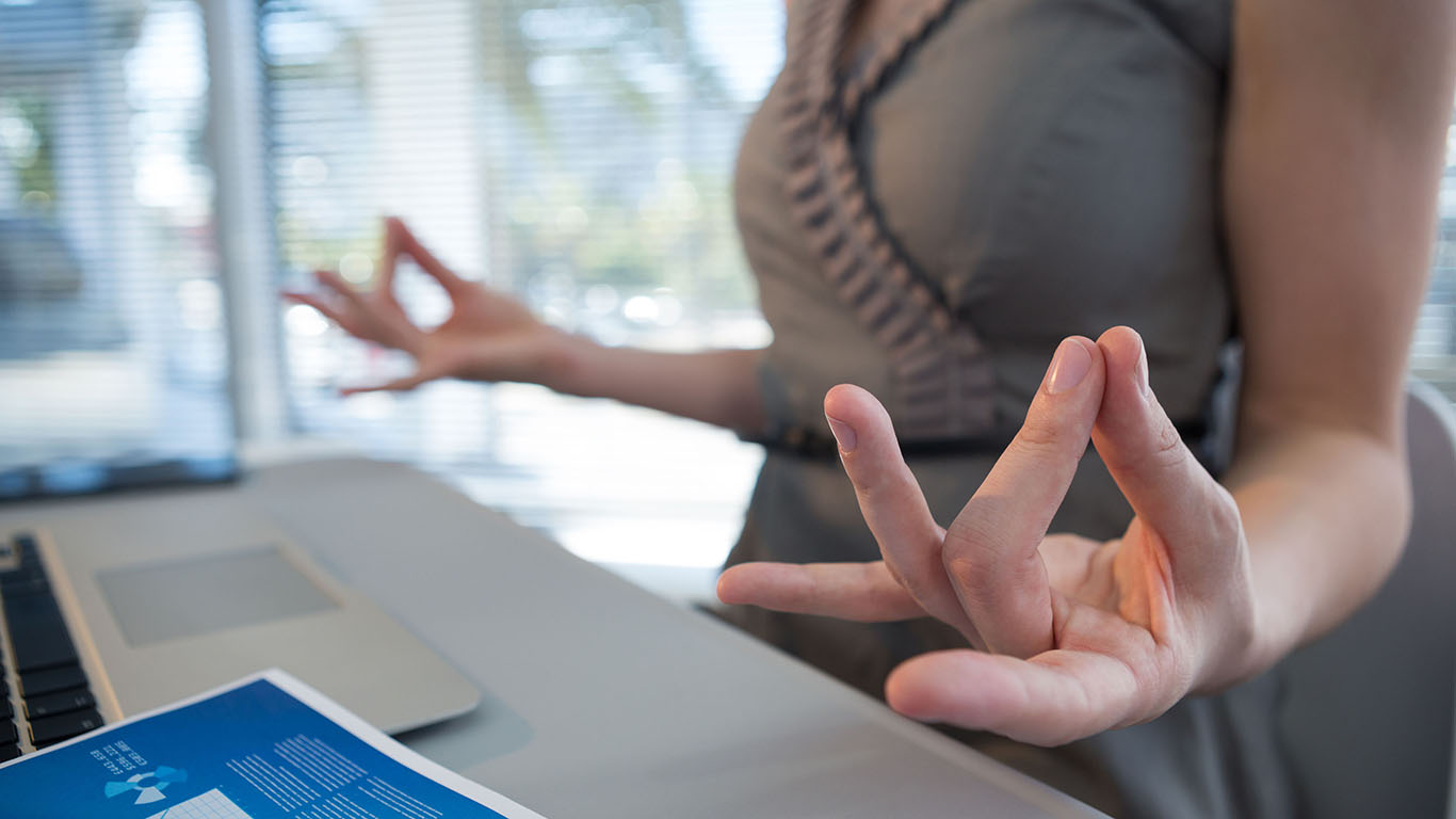 desk_yoga_1