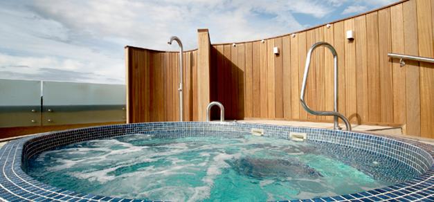 Rooftop hot tub at Kohler Waters