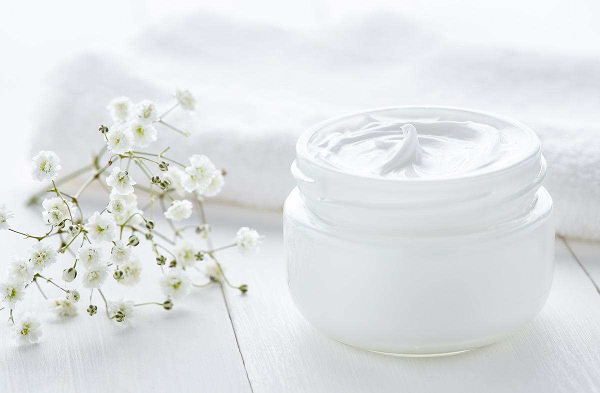 moisturiser-white