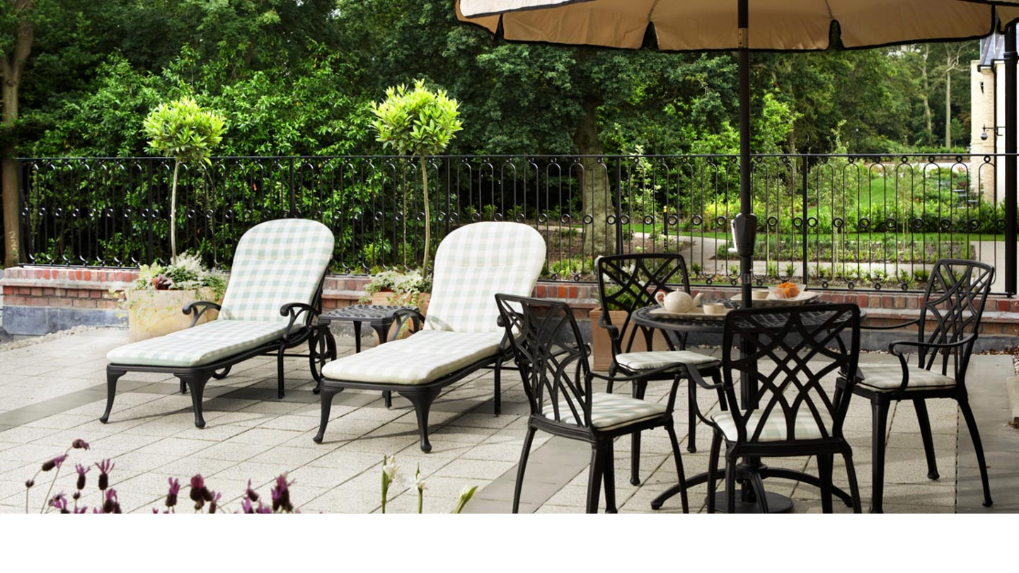 outside-loungers-2-resized