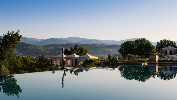 the outdoor infinity pool at Terre Blanche