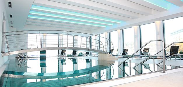 The pool at Vivamayr