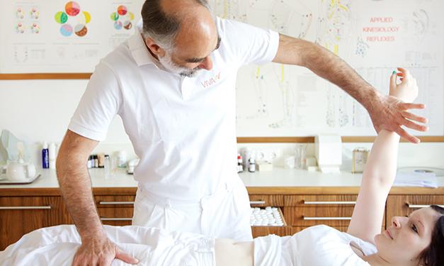Adbominal massage at Vivamayr